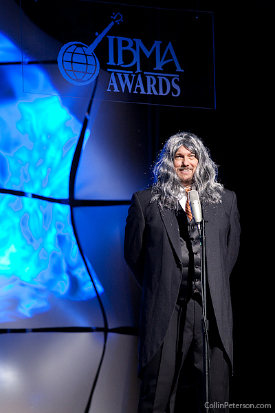 Jerry Douglas Dressed as Ricky Skaggs - IBMA Awards 2010